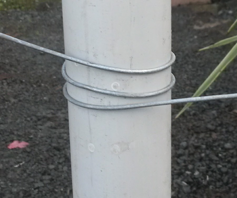 bracwewire around posts