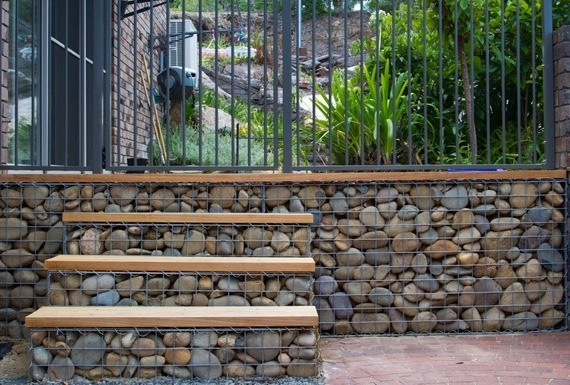 gabion wall with steps