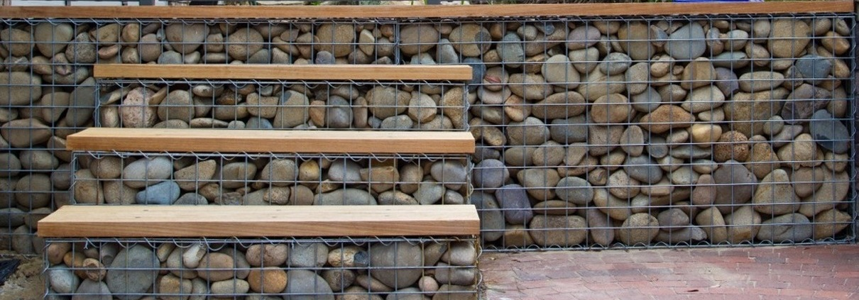 gabion step with timber tread