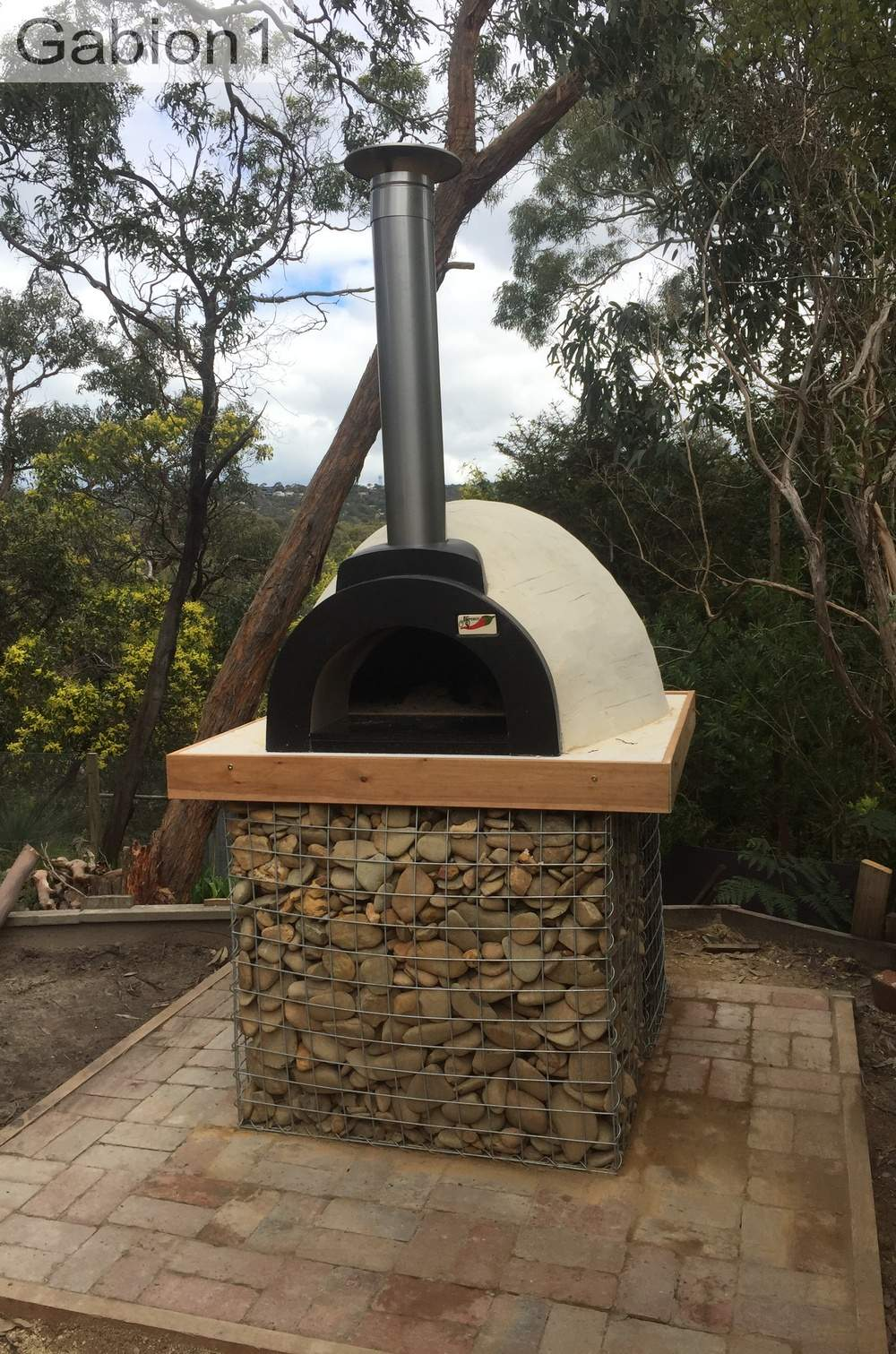 simple gabion pizza oven base