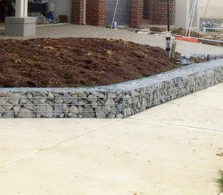 gabion mitred with rock